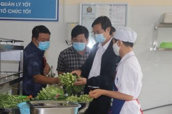 Hà Nội: Rốt ráo kiểm tra an toàn thực phẩm bếp ăn trường học