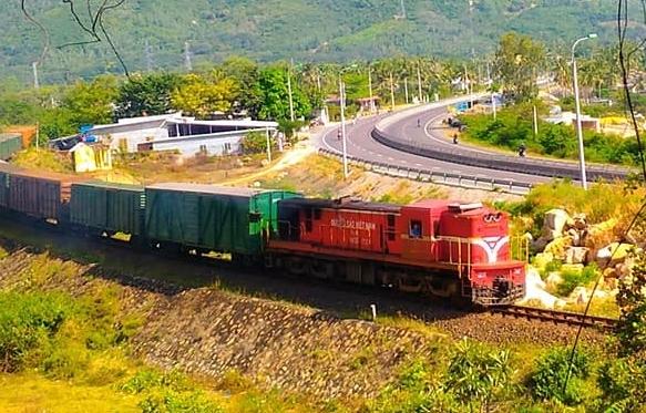Đường sắt Hà Nội giảm giá 50% hơn 14.000 vé tàu các tuyến