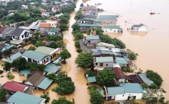 Công bố đường dây nóng ứng phó ngập lụt do bão số 13