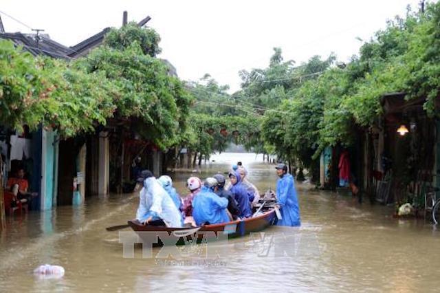 Ứng phó bão số 13: Lên phương án sơ tán gần 87.000 hộ dân