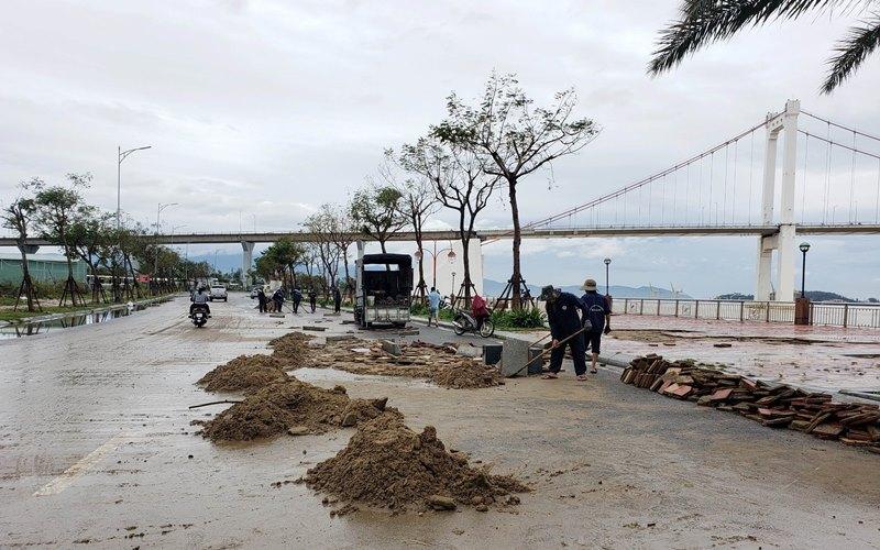 Đà Nẵng nhanh chóng dọn dẹp đường biển -0