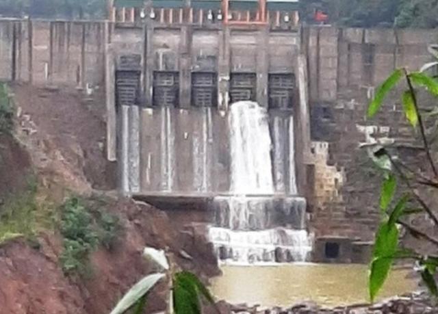 Thừa Thiên Huế: Thủy điện Thượng Nhật tiếp tục tích nước trái phép sau bão 13