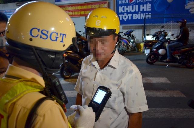 """TP HCM: Có tháng xử lý tới 14.000 tài xế """"ma men"""""""