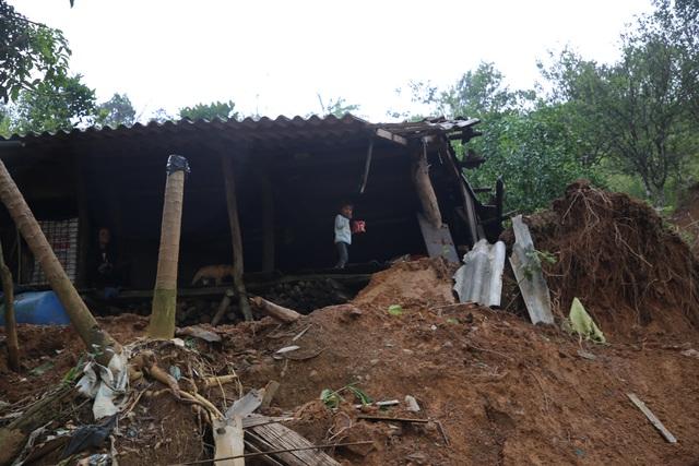 Quảng Trị: Người dân vùng sạt lở đất sống trong thấp thỏm - 1