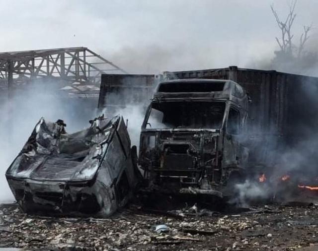Vụ cháy nổ lớn gần biên giới: Do cán bộ hải quan chọc trúng pháo lậu