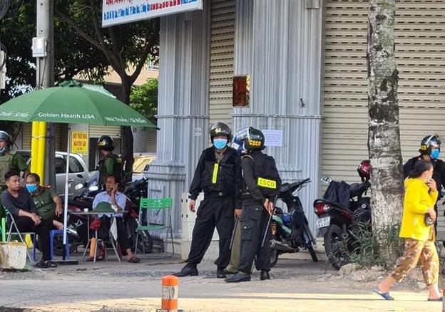 Hàng trăm công an khám xét 3 nhà thuốc tây lớn ở Biên Hòa