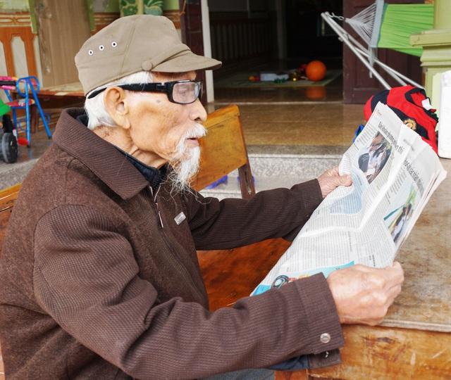 """Người lính gần 100 tuổi kể về nhiệm vụ bảo vệ """"đại bàng trắng""""; chở Bác Hồ"""