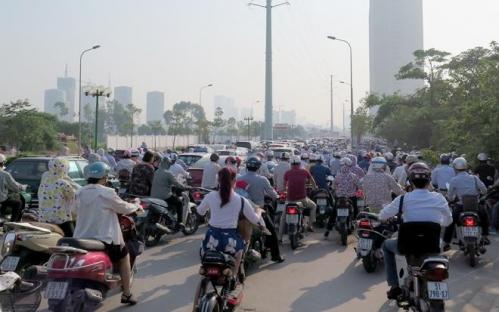 Đề xuất kiểm soát khí thải hàng chục triệu xe máy: Lại lo phí chồng phí