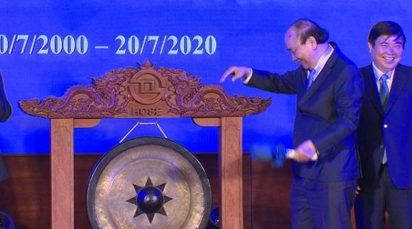 2020 kỷ niệm 20 năm thành lập thị trường chứng khoán Việt Nam. Thủ tướng Chính phủ Nguyễn Xuân Phúc đã gõ cồng chào mừng sự kiện này vào tháng 7/2020.
