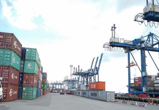 Xuất khẩu đình trệ vì thiếu container rỗng