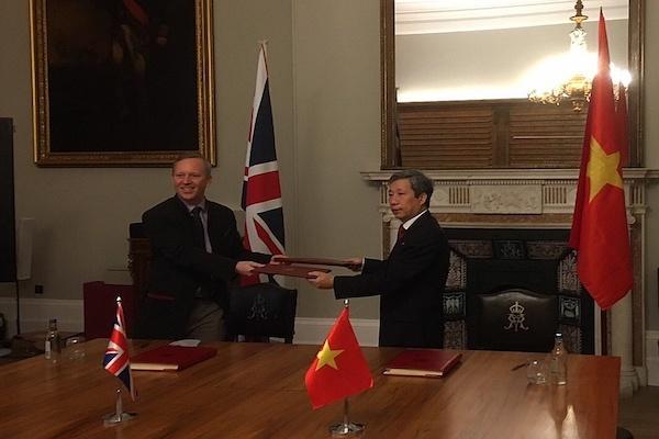 Hiệp định UKVFTA đã chính thức được ký kết bởi đại diện ủy quyền (Đại sứ) của Chính phủ hai nước tại London (Vương quốc Anh)