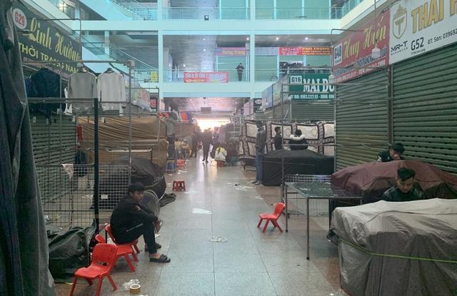 Lạ chưa từng thấy: Tiểu thương chợ Ninh Hiệp đồng loạt đóng cửa áp Tết - 1