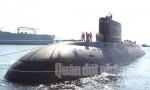 Những hình ảnh đầu tiên về tàu ngầm Kilo Hà Nội