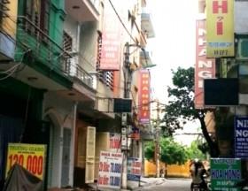 Hà Nội: Cô gái chết loã thể trong nhà nghỉ bên gói thuốc chuột