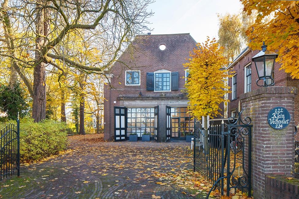 Tới thăm ngôi nhà gỗ đẹp như tranh vẽ ở Hà Lan