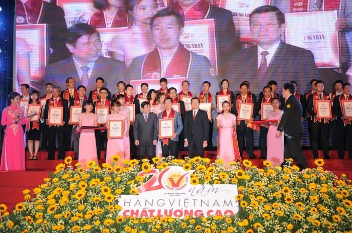 Vinamilk 20 năm liền là hàng Việt Nam chất lượng cao