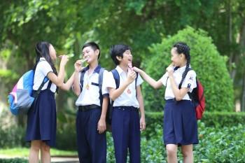 Cận cảnh dây đeo đa năng làm mưa làm gió trong giới học trò