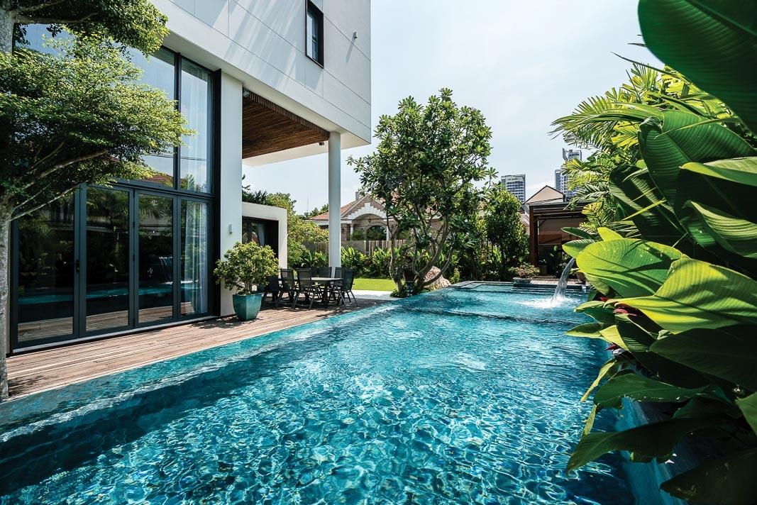 Báo nước ngoài ca ngợi căn biệt thự Việt đẹp lung linh