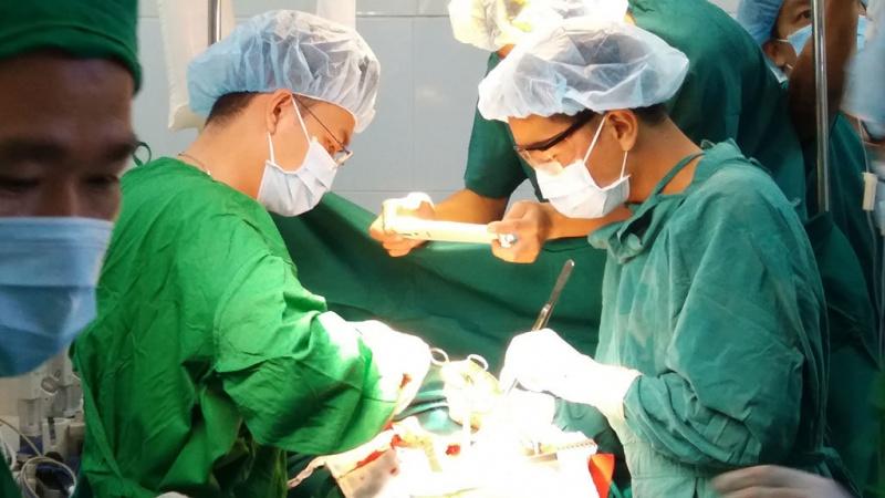 Cứu sống một bệnh nhân bị vỡ tim trong đêm
