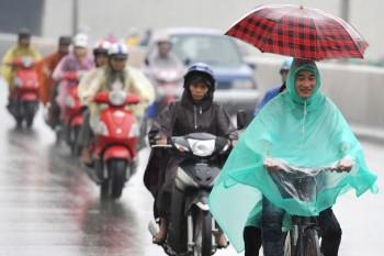 Miền Bắc có mưa dông, chấm dứt nắng nóng