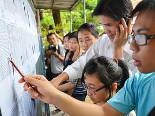 Hà Nội hạ điểm chuẩn vào lớp 10 các trường công lập