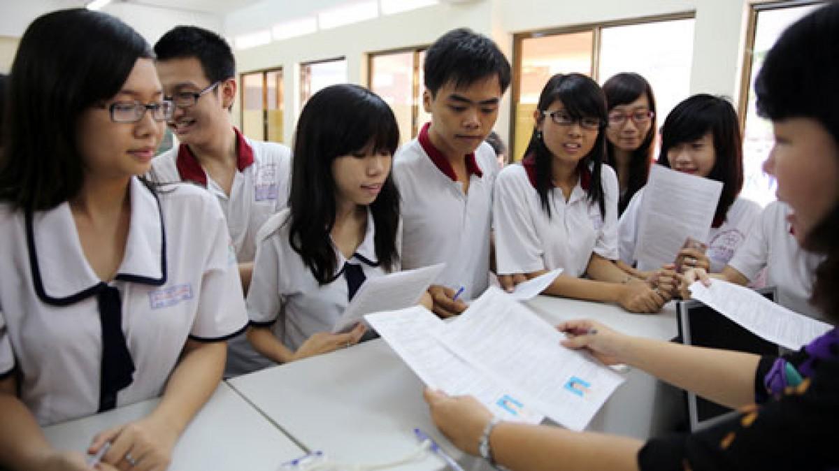 Ba trường đại học đầu tiên công bố điểm trúng tuyển