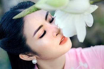 ngam hoa hau ngoc han trong bo ao dai cuoi