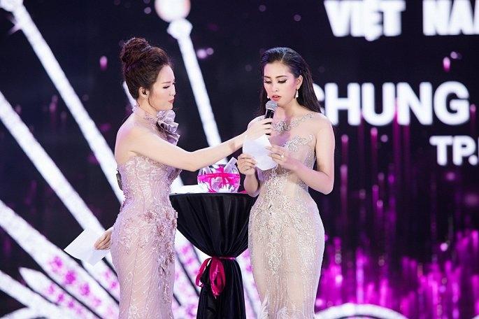 """Câu hỏi ứng xử dành cho tân Hoa hậu Việt Nam bị chê """"trên trời"""""""