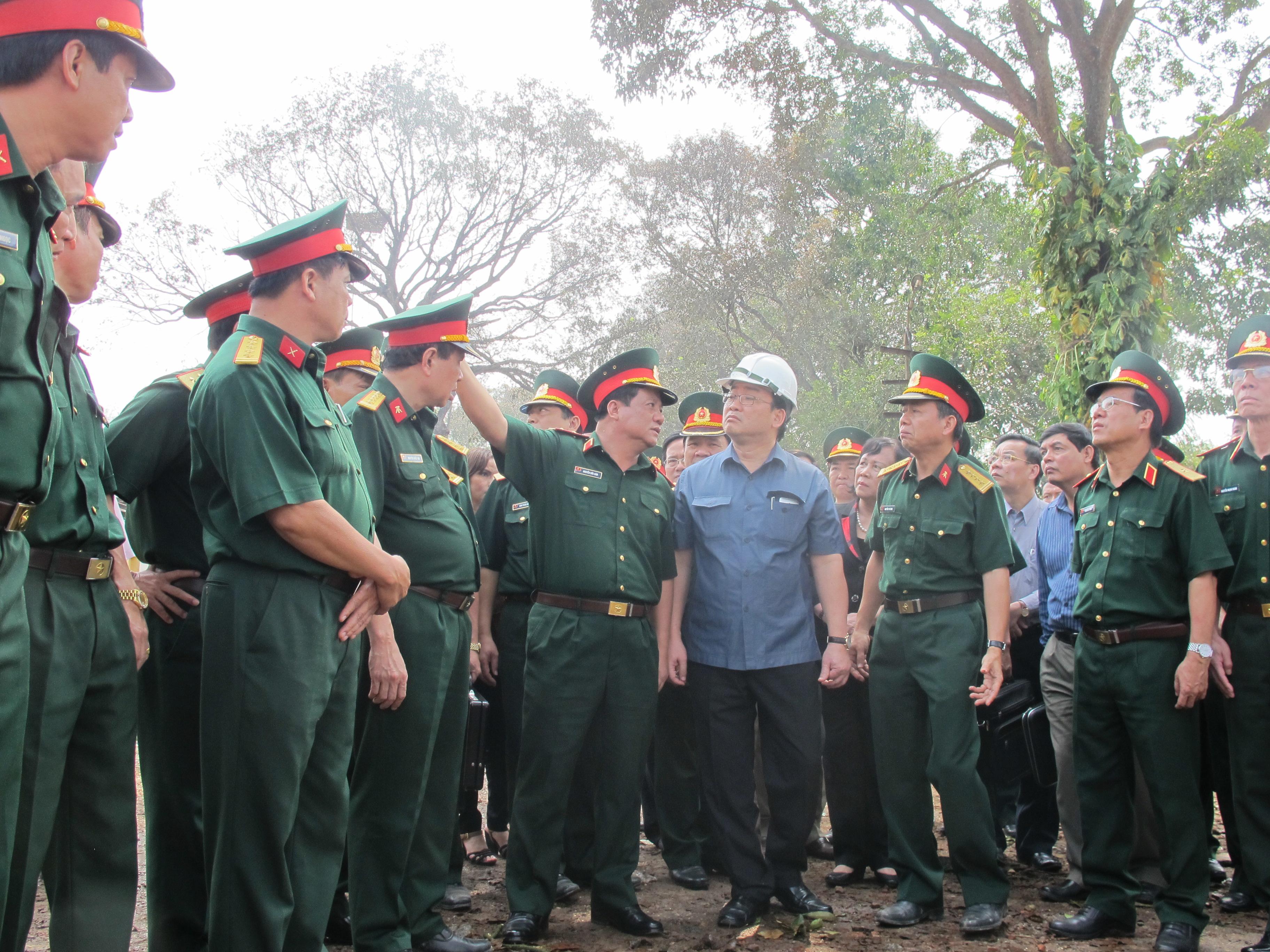 Phó Thủ tướng Hoàng Trung Hải trực tiếp chỉ đạo khắc phục hậu quả vụ nổ