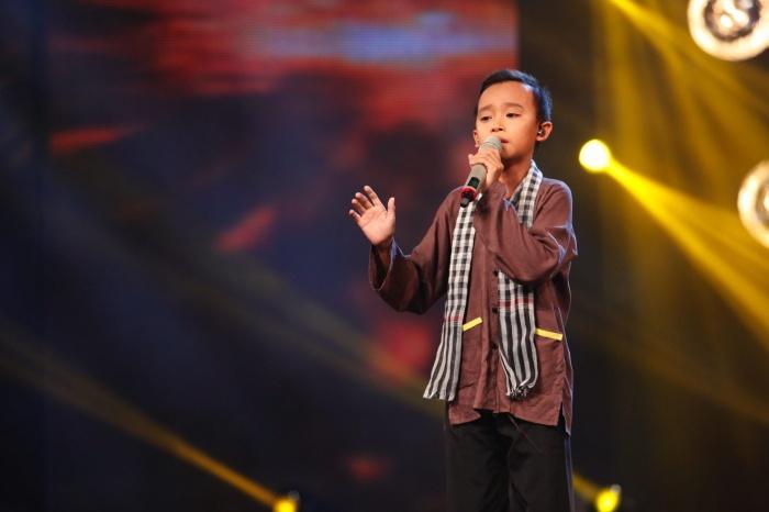 'Vietnam Idol nhí': Hồ Văn Cường khiến giám khảo rơi nước mắt