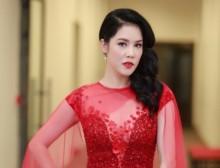 Ca sĩ Thu Phương khoe vóc dáng quyến rũ vượt thời gian