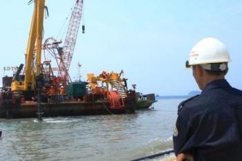 Đưa điện vượt sóng ra đảo Cù Lao Chàm