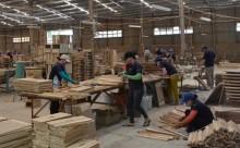 """PC Phú Yên: """"Lấy lòng"""" doanh nghiệp từ chất lượng dịch vụ"""
