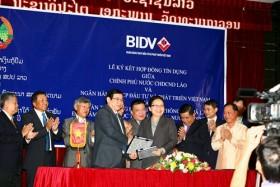BIDV ký hợp đồng an sinh xã hội tặng nước bạn Lào
