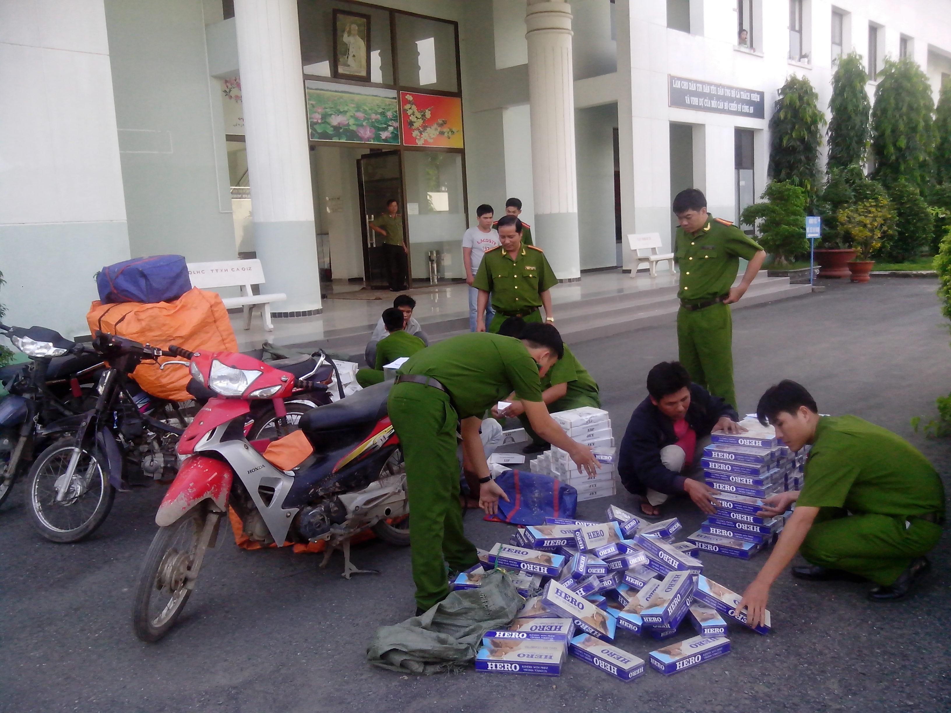 buon ban thuoc la lau tang cao dip giap tet