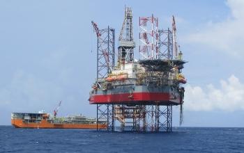 Chứng khoán 7/1: Cổ phiếu Dầu khí tăng mạnh cùng giá dầu, PVD, PVB tăng trần