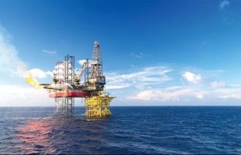 Chứng khoán 23/2: Cổ phiếu Dầu khí đồng loạt xanh khi giá dầu bứt phá