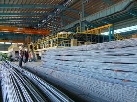 Doanh nghiệp thép sản xuất cầm chừng để giải phóng hàng tồn kho