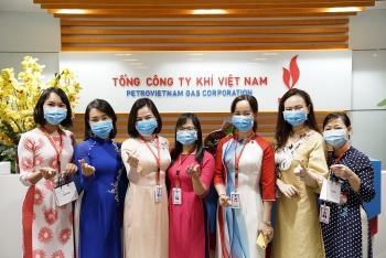 cong doan ban nu cong pv gas huong ung tuan le ao dai di san van hoa viet nam