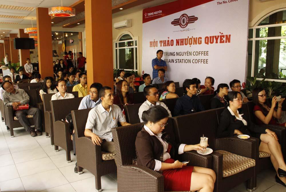 Tập đoàn Trung Nguyên nhượng quyền thành công chuỗi quán cà phê