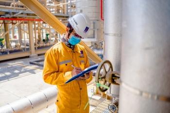 """Cổ phiếu dầu khí đồng loạt """"xanh"""" khi giá dầu tích cực"""