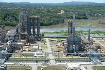 Cổ phiếu dầu khí tăng mạnh cùng giá dầu, BSR bật tăng 9%