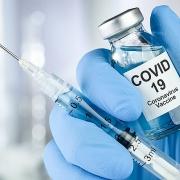 Nên tiêm vắc-xin Covid -19 ngay khi có thể