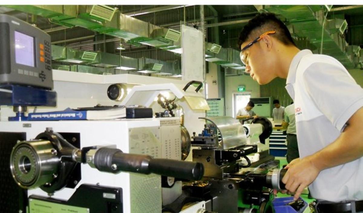 Thu hút vốn FDI vào TP HCM, Đồng Nai tăng cao