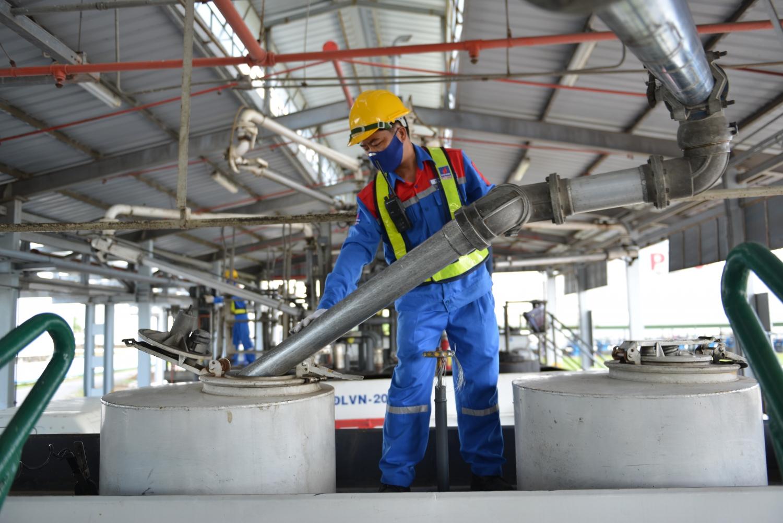 """Các Tổng kho xăng dầu PVOIL nghiêm túc thực hiện phương án """"Ba tại chỗ"""""""