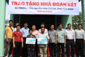 PTSC và Bệnh viện ĐHYD TP HCM tổ chức khám chữa bệnh miễn phí cho người nghèo