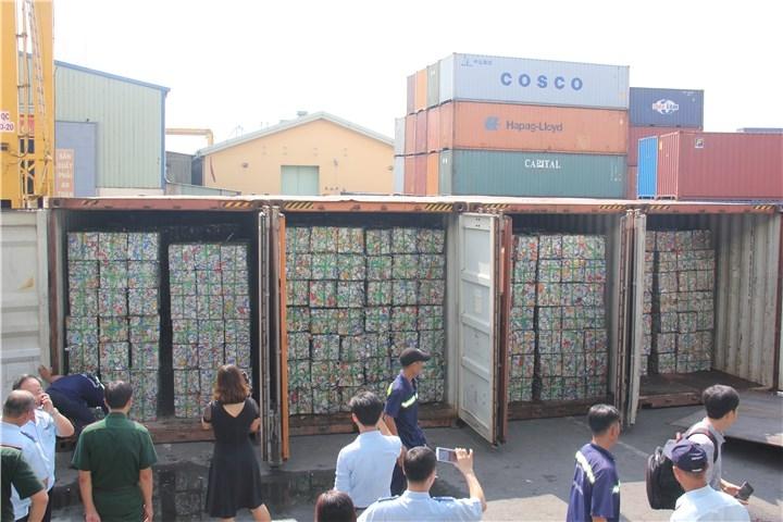 chan 4 container phe lieu xuat khau khai bao gian lan tron thue hon 500 trieu dong