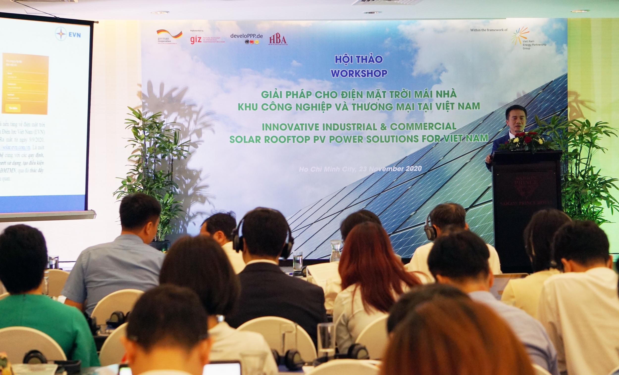 """Hội thảo """"Giải pháp cho Điện mặt trời mái nhà khu Công nghiệp và Thương mại tại Việt Nam""""."""