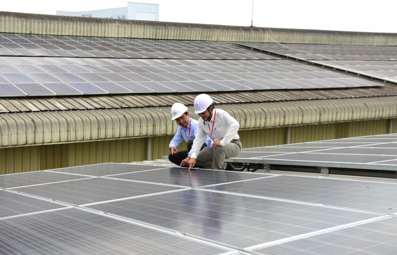Giải pháp thúc đẩy điện mặt trời mái nhà khu vực công nghiệp và thương mại