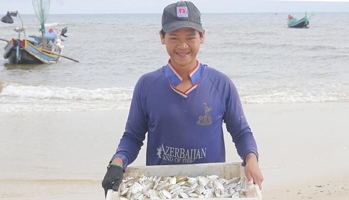 Quảng Bình: Làng biển nơi chân sóng